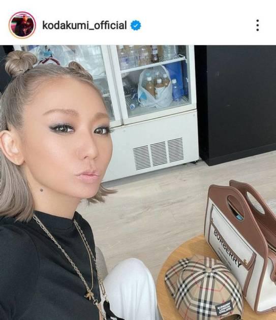 倖田來未、ほっそりウエストが覗くコーデに「いつもオシャレで綺麗」「なんでも似合う」サムネイル画像!