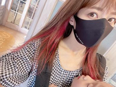 辻希美、耳回りをピンクに染めたイヤリングカラー&七夕風ご飯を披露「嬉しっ」
