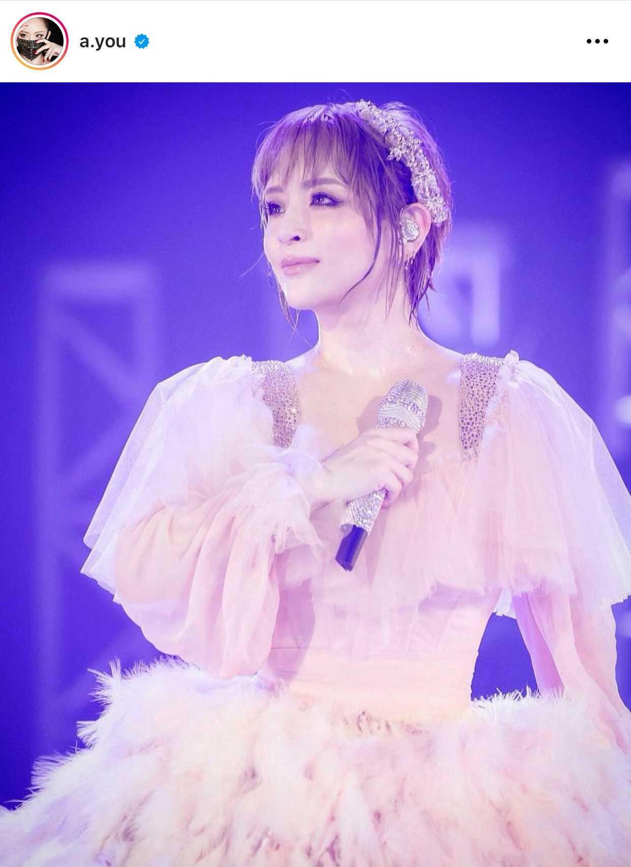 浜崎あゆみ、豪華ドレスのステージSHOT&ゲネプロを回想「壮大で美しすぎて胸がギュッとなる…」