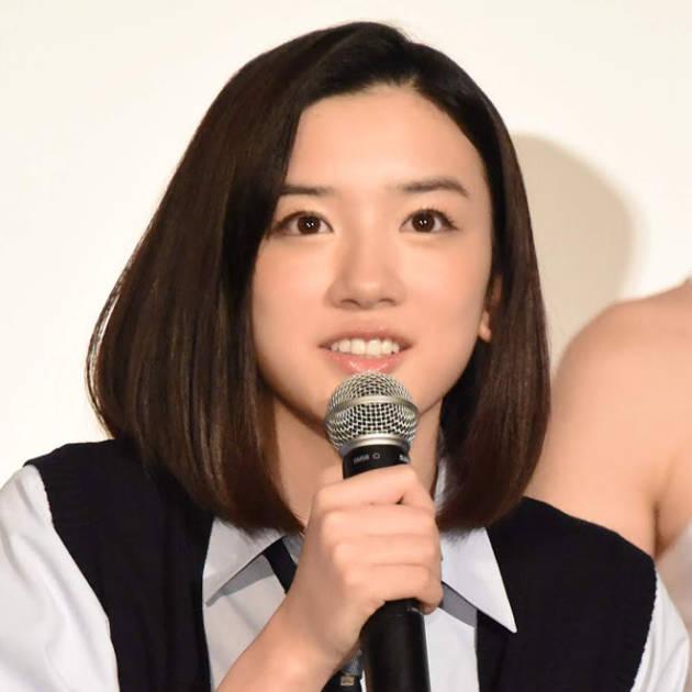"""永野芽郁、""""傷だらけメイク""""の自撮りSHOTに「血まみれでも可愛い」「リアルですね!」の声サムネイル画像!"""