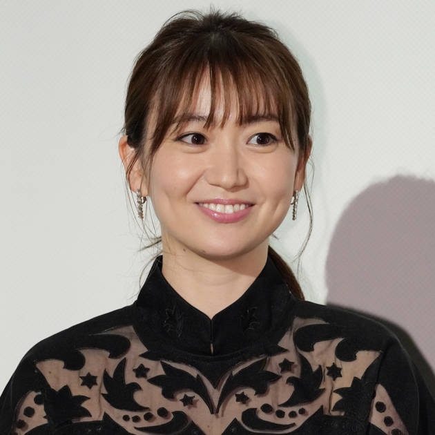 「スタイル良すぎ」大島優子、美脚が覗くスリットドレスSHOTに絶賛の声「セクシーでオシャレ」サムネイル画像!