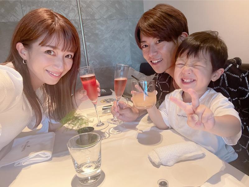 「今日から15年目」辻希美、杉浦太陽との結婚記念日報告&長女と三男のプールSHOT公開「凄い助かった」