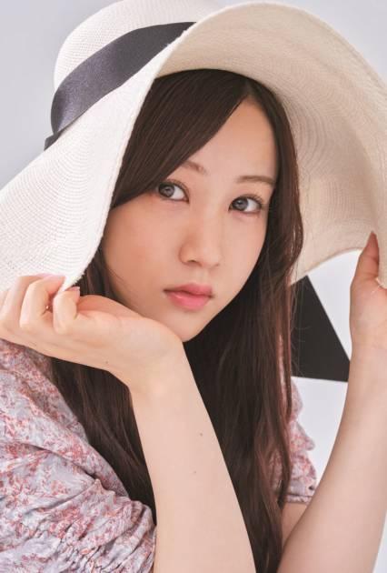 """乃木坂46星野みなみ、""""かわいい""""が大渋滞なキュートSHOTを公開サムネイル画像!"""