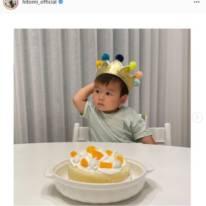 hitomi、長女との手作りケーキで三男の誕生日を祝福し「素敵ですね」「本当に可愛い」の声