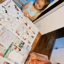"""土屋アンナ、長女と次女の""""粘土day""""SHOTにファンほっこり「かわいい風景」「何作ったのかな」"""