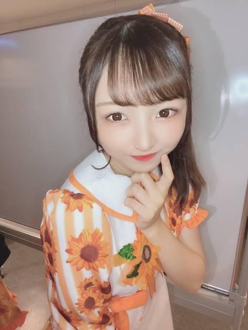 今注目のアイドル、テラス×テラス・二葉茉由が愛用の香水を紹介!