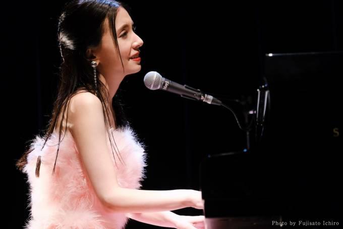 May J.、15周年記念ライブ開催&ファン投票1位の楽曲を発表