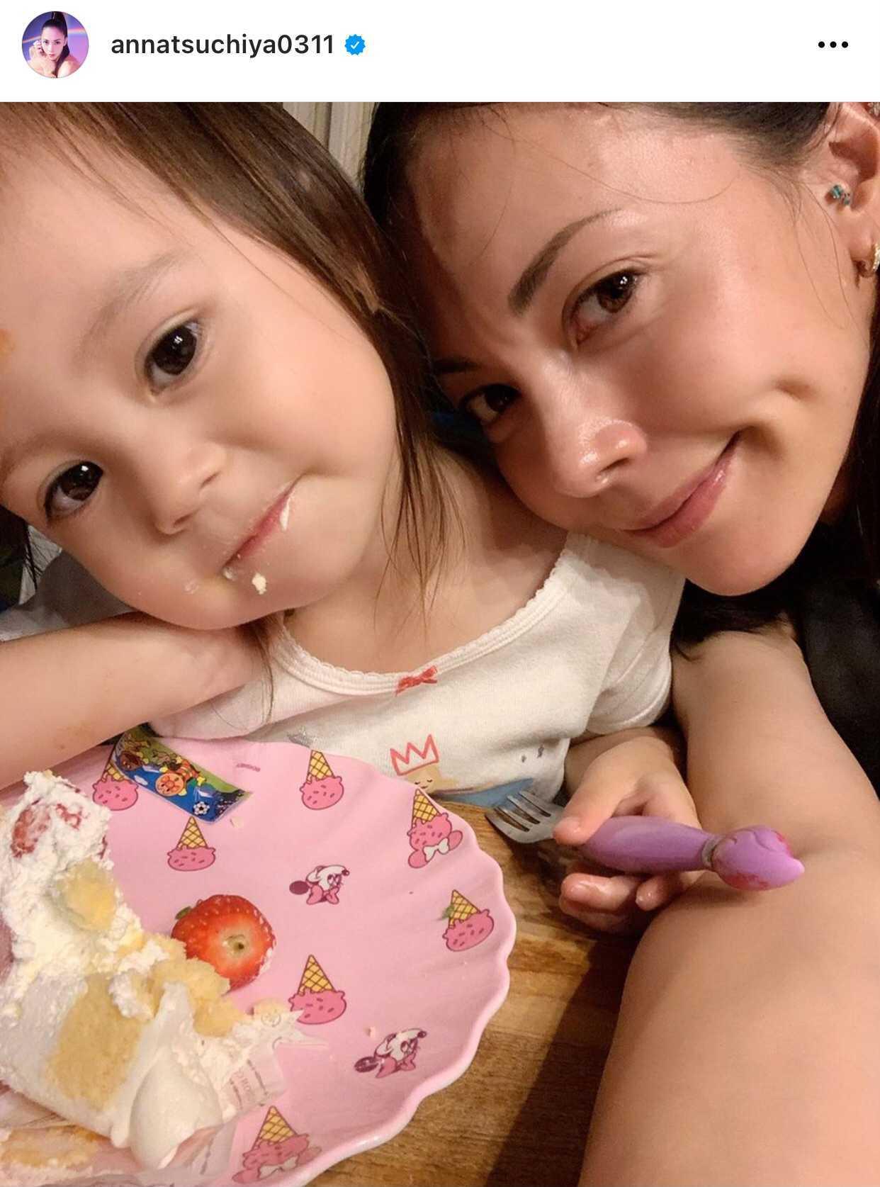 「ママそっくり」土屋アンナ、次女との顔寄せ2SHOTに反響「可愛すぎる」