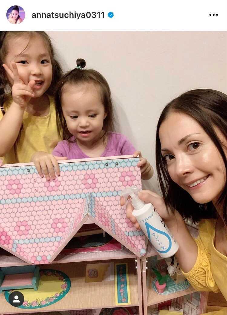 土屋アンナ、長女&次女との3SHOTに反響「お子ちゃま可愛いね」「Nice」
