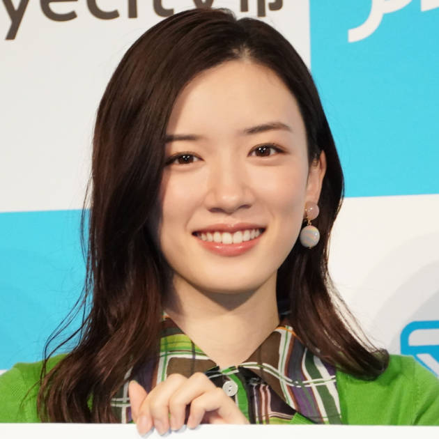 永野芽郁、スイカを頬張る笑顔SHOTに「可愛すぎる」「めっちゃ癒されました」の声サムネイル画像!