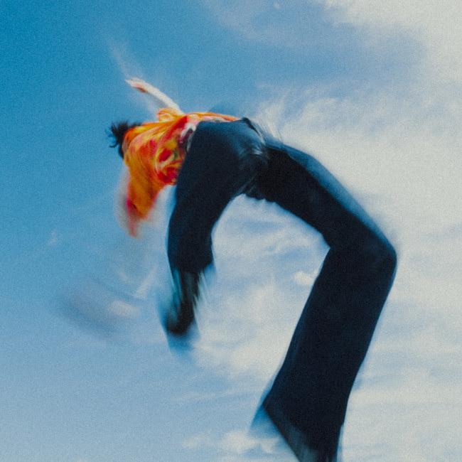 "DAACKY、生まれ変わりを象徴し""ありのまま""を表現する一年半ぶりのシングル「遥飛」を配信リリース&MV公開"