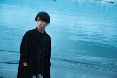 現役高校生シンガー・れん、初のオリジナル楽曲は 恋愛の儚さを歌ったまっすぐなラブソング