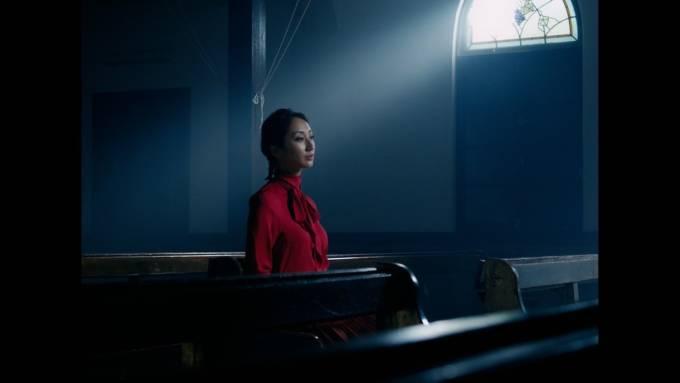 Ms.OOJA、10周年イヤーを彩る7ヶ月連続配信の有終の美を飾る布袋寅泰が楽曲提供・プロデュースした珠玉のミッドバラード「鐘が鳴る」配信スタート&ミュージックビデオ公開