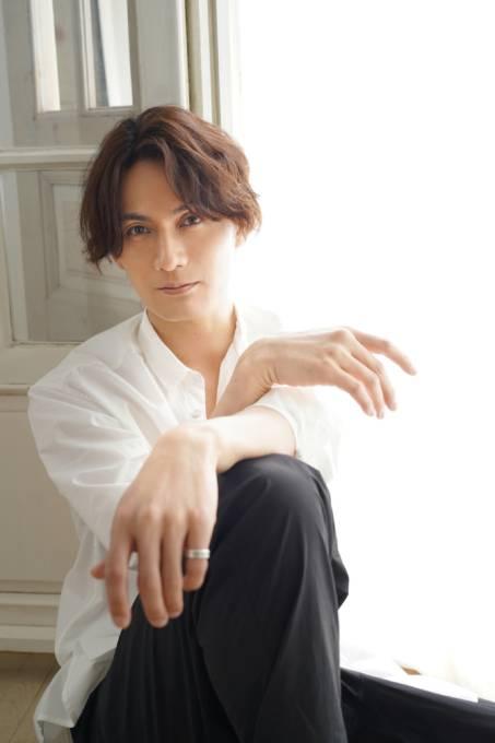 加藤和樹、15周年記念アルバム「K.KベストセラーズII」ハイレゾ音源mora独占先行スタート
