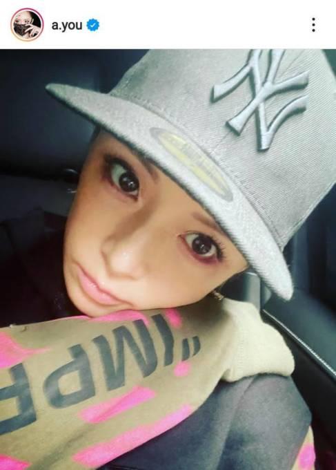 浜崎あゆみ、キャップ姿の顔アップSHOTに「可愛いすぎ」と反響&真剣リハーサルSHOTも公開