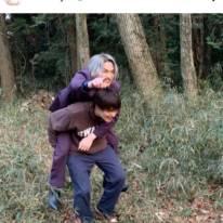 """佐野勇斗、横浜流星との仲良し""""おんぶSHOT""""にファン歓喜「めちゃくちゃ可愛い何それ!」"""