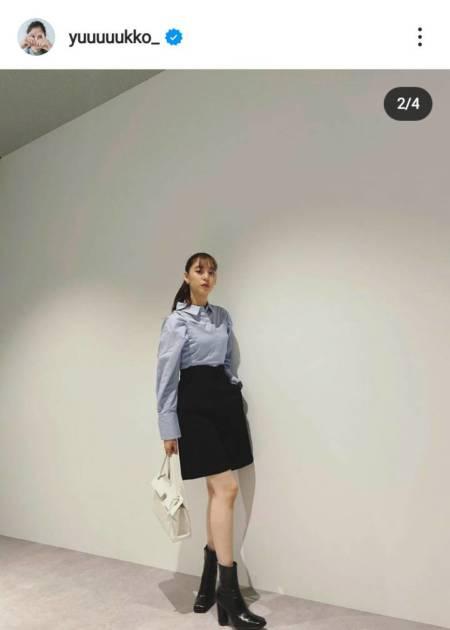 「美脚すぎる」新木優子、膝上丈ボトムスの私服SHOTに絶賛の声「めちゃくちゃ足が長い」サムネイル画像!