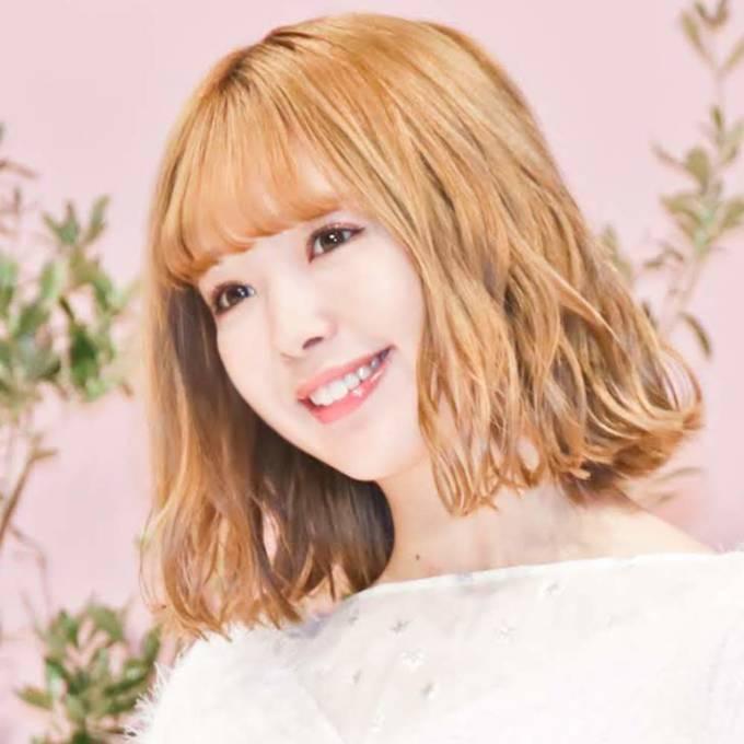 藤田ニコル、韓国の制服姿の笑顔SHOTに絶賛の声「100点満点の可愛さ」「アイドルかと思った」